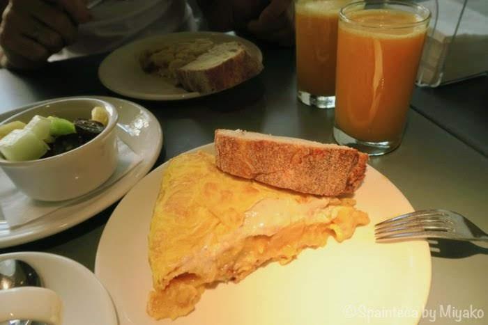 La Maruca マドリードのバル、ラ・マルカの評判トルティージャで朝食