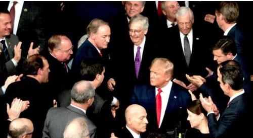 """Congresistas """"bipartidistas"""" de Washington revelan su plan en caso de crisis en las elecciones"""
