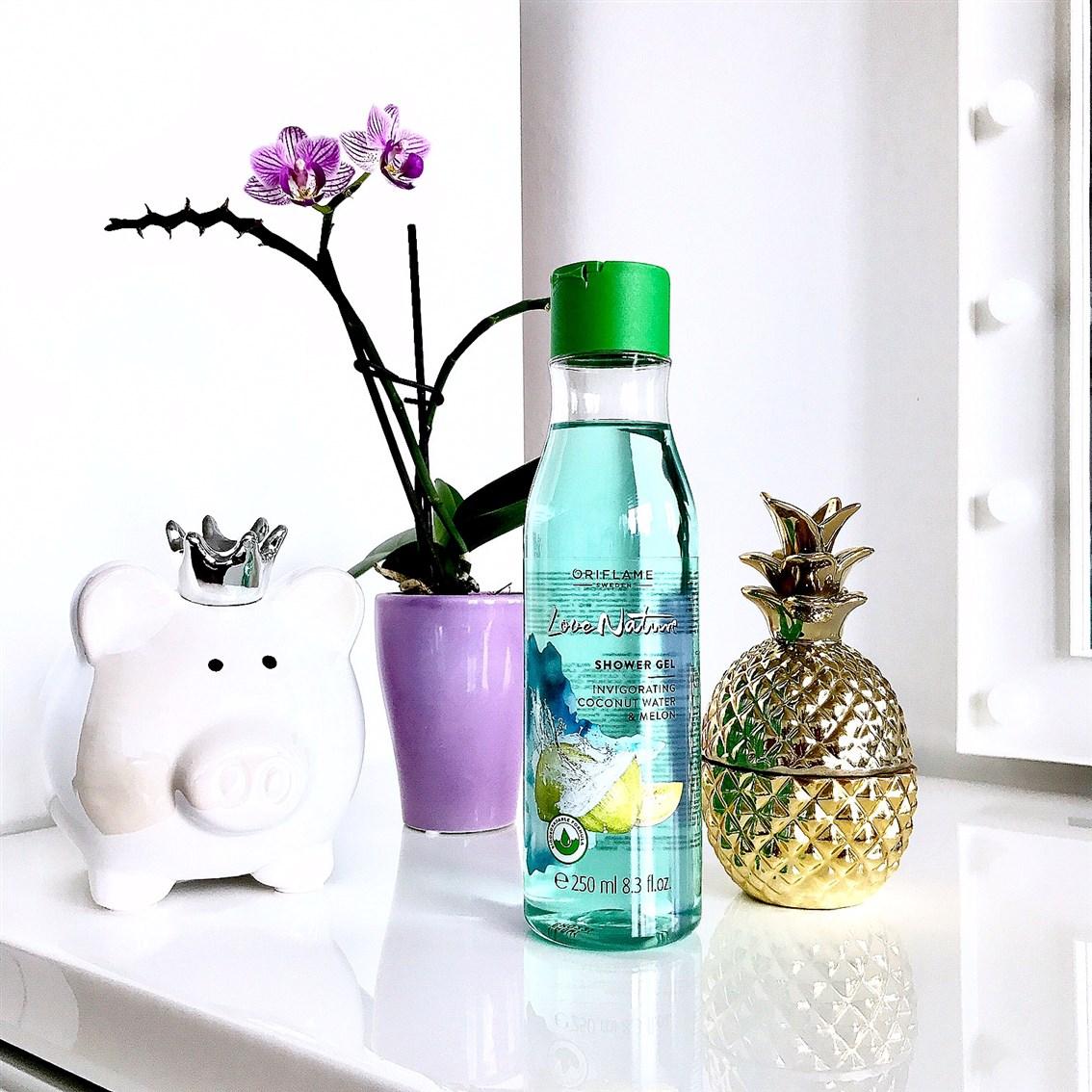 zdjęcie Oriflame Love Nature żel pod prysznic z wodą kokosową i melonem