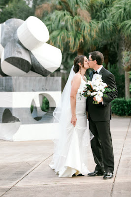bride and groom photos at orlando museum or art