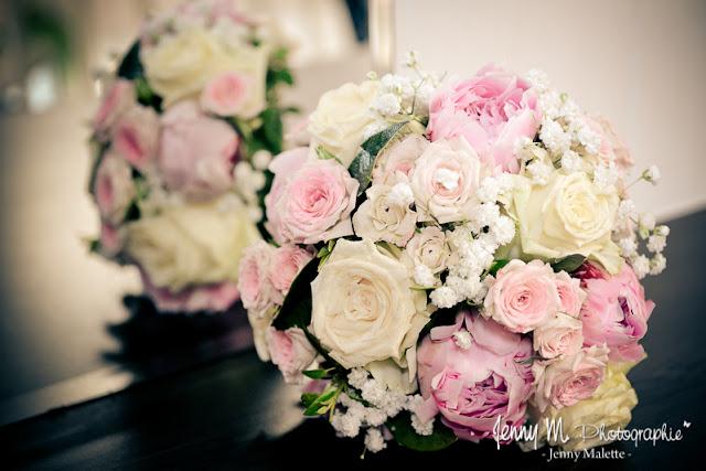 photo bouquet de la mariée tons roses et blanc avec roses