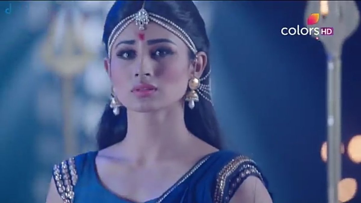 New Shivanya Naagin 2 Mouni Roy Beautiful Super Cute Wallpapers