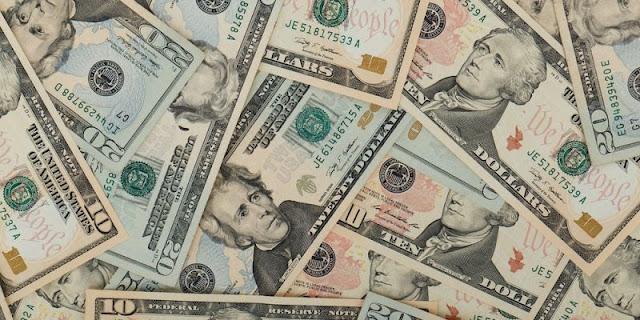 Ecoanalítica estima que más del 50% de la economía en el país está dolarizada