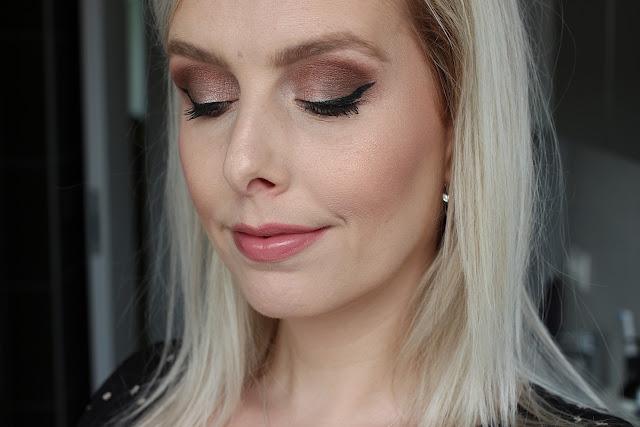 Charlotte Tilbury Glowgasm Face Palette in Lightgasm