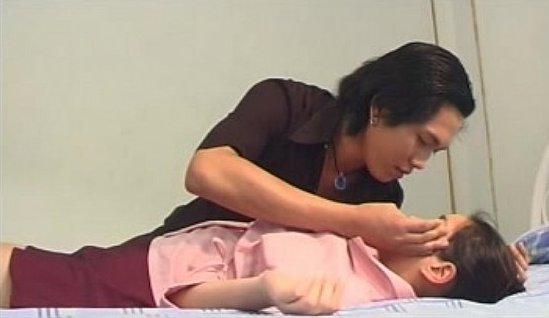 """หนังrไทย """"แอร์สาว 20,000 ฟิต"""" เมียวางยาสาวแอร์สุดsexให้ผัวลักหลับเย็ด!"""