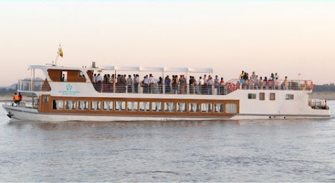 Day Cruise Trip ( Bagan to Mandalay)
