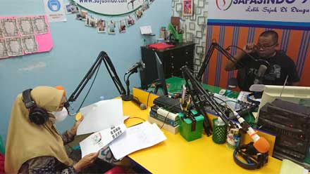 Kadis Dikbud Lima Puluh Kota Jadi Narasumber Talkshow di Radio Safasindo FM