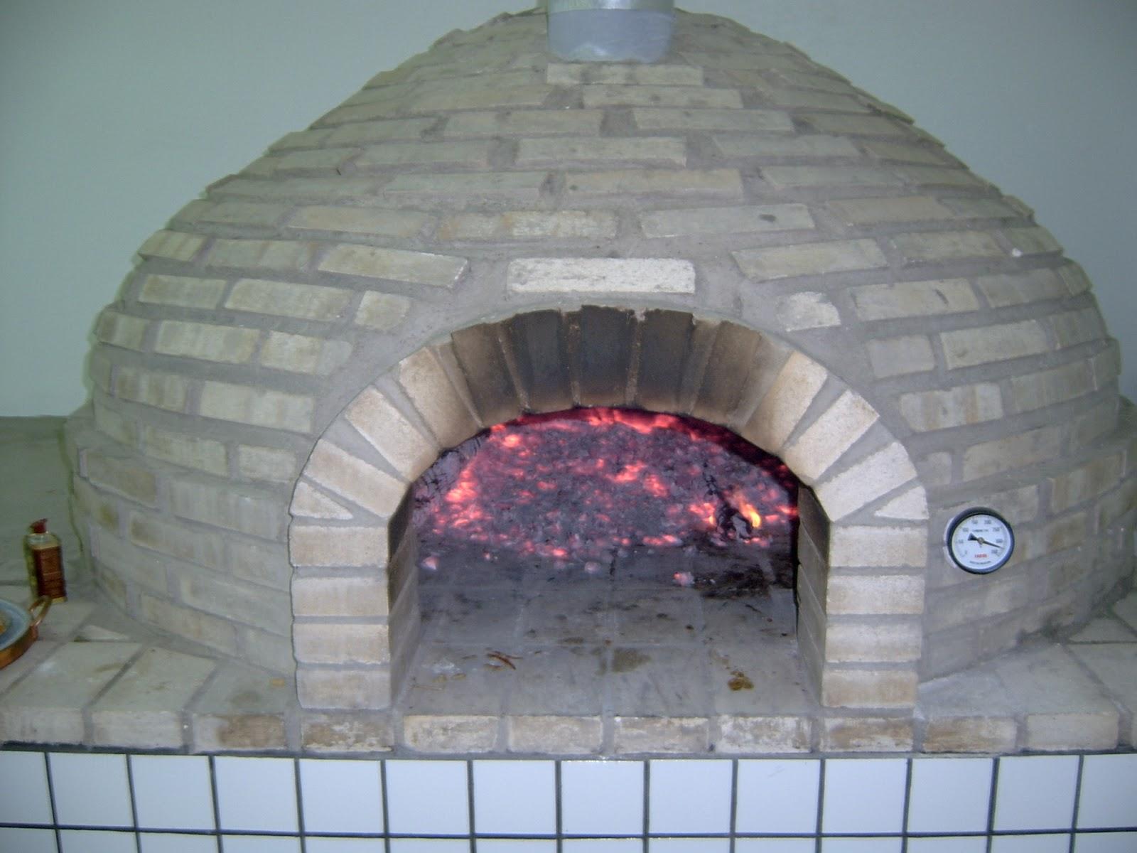 Como se faz forno a lenha para pizzaria profissional for Temperatura forno pizza