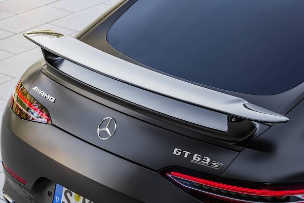 """Mercedes-AMG GT 63 S 4MATIC+ """"CARBON"""" chega ao Brasil por R$ 1,684 milhões"""
