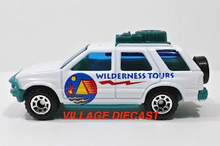"1999 Matchbox ""Wilderness Road Trip"" Isuzu Rodeo WHITE/WILDERNESS TOURS/MINT"