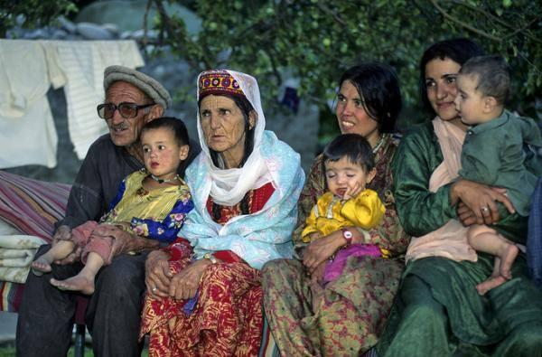 Bộ lạc sống thọ và có nhiều phụ nữ đẹp nhất thế giới, 60 tuổi vẫn có thể sinh con 3