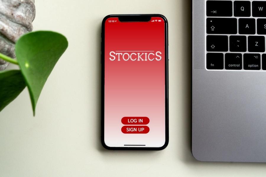 Stockics Mock App