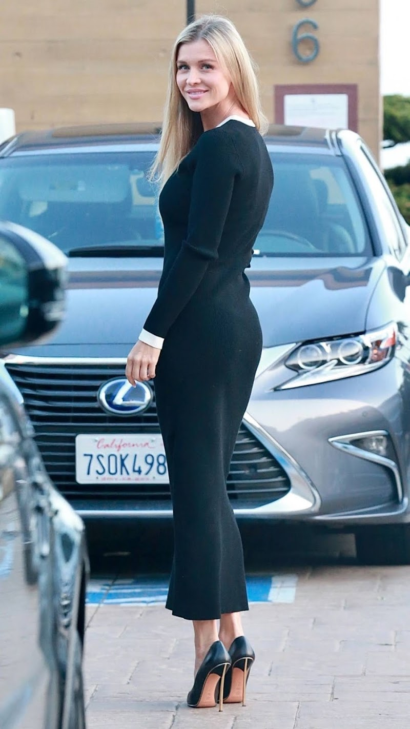 Joanna Krupa Spotted at Nobu in Malibu 12 Apr-2021