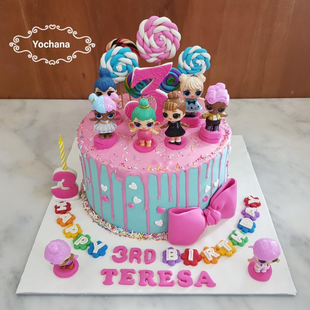 Yochana S Cake Delight Lol Dolls Cake