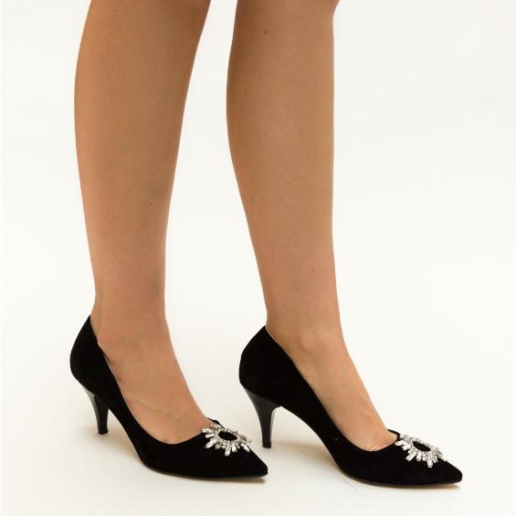 Pantofi negri eleganti cu toc subtire pentru tinute de zi elegante