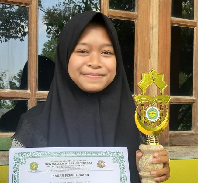 Usir Kejenuhan, Kompetisi Virtual Menjadi Pilihan MTs. Ma'arif  NU Tanjungsari
