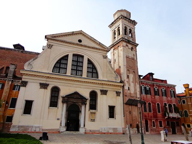 Za vším hledej ženu aneb vražda u kostela San Trovaso