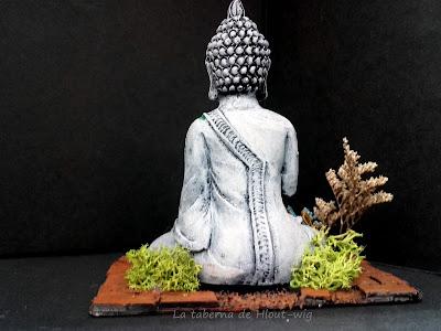 Estatua de Buda vista trasera