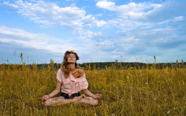 meditation-woman-wallpaper-1.jpg