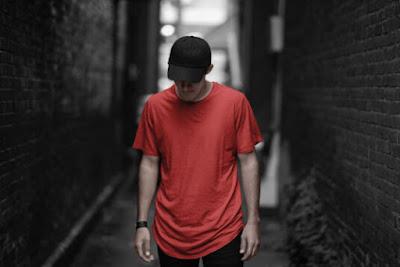 Time-limited freebie: Urban T-shirt Mockup Set