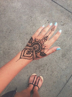 Simple mehendi design front hand Collection