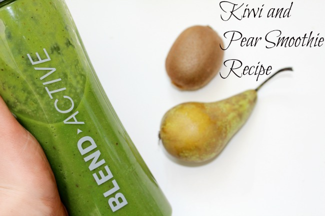 Kiwi and pear vegan smoothie recipe - Nourish ME www.nourishmeblog.co.uk