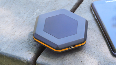 The Sonnet Device Helps You Stay Connected Off Grid
