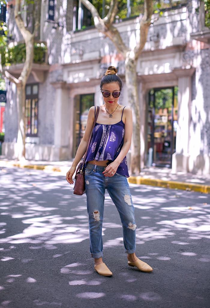 Band of Gypsies scoop neck tank, tank top, quay sunglasses, chanel necklace, 31phillip lim mini pashli, everlane babo shoes, everlane loafer, 7fam boyfriend jeans, street style in Shanghai, summer style