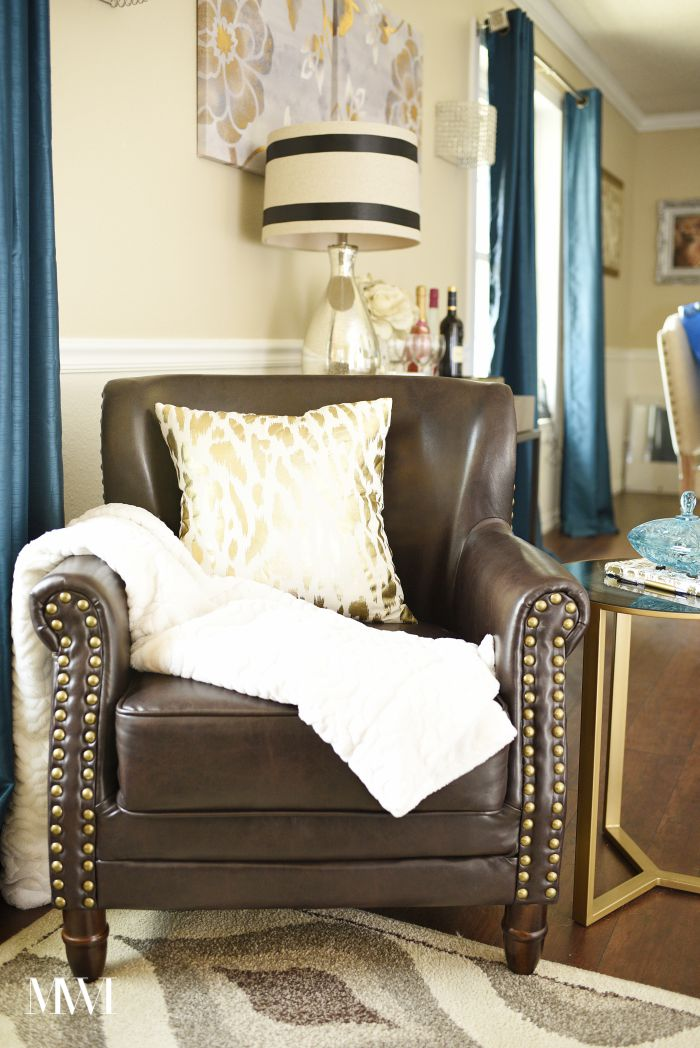 Addison accent chair from @SauderUSA. Full review on monicawantsit.com