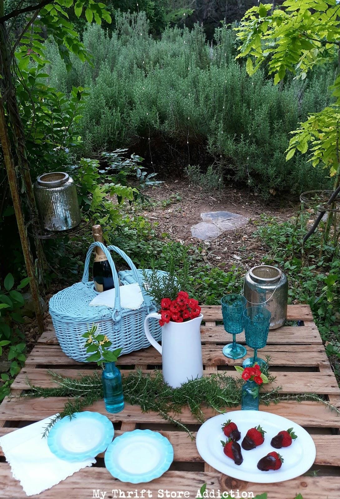 Enchanting pallet picnic