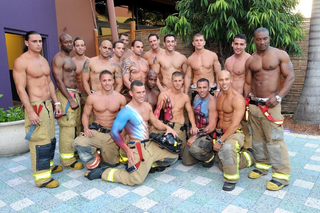 два пожарника ебут - 5