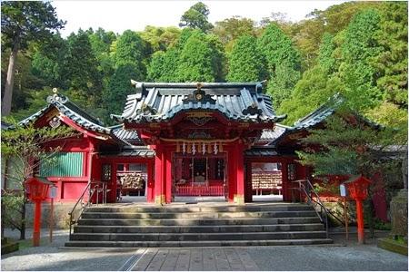 ศาลเจ้าฮาโกเน่ (Hikone Shrine)