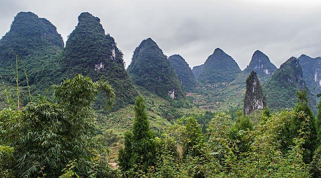 Pics karstiques situés à proximité de Xingping