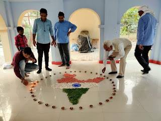 एक दीया देश के नाम कार्यक्रम में लोगों ने जलाया एक—एक दीप   #NayaSaberaNetwork