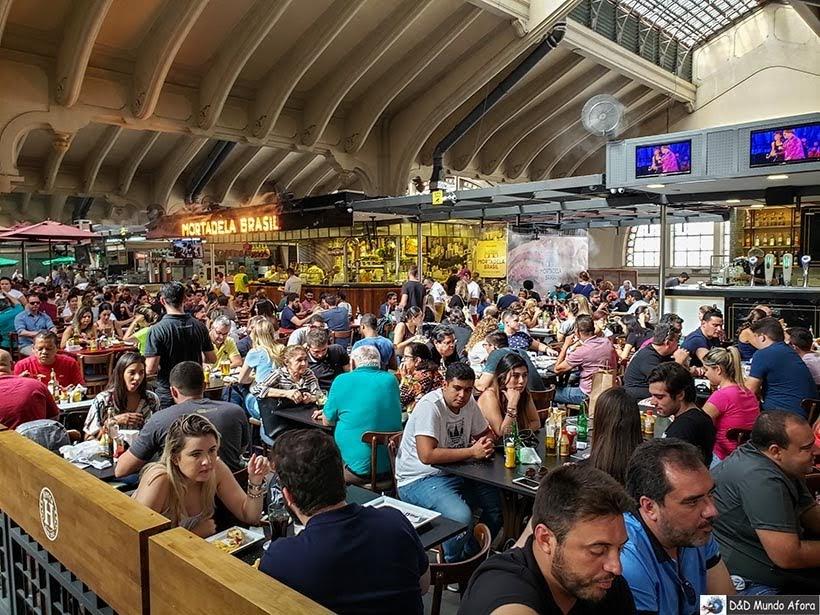 Área gastronômica no Mercado Municipal de de São Paulo: o que fazer