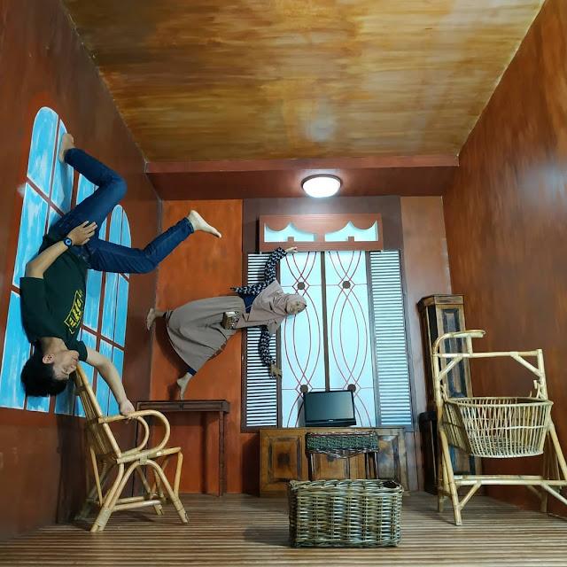Upside Down World di Illusion Bogor