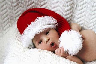 Foto-gambar-bayi-lucu-banget-pakai-topi-santa
