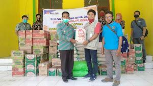 Peduli Korban Banjir Sanggar, Bulog dan PWI Bima Salurkan Bantuan