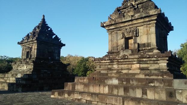 Pesona Mega Candi Barong Daerah Istimewa Yogyakarta