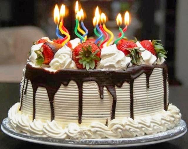 Images Kue Ulang Tahun : Aneka Kue Ulang Tahun Paling Cantik Dan Unik - Foto Kue ...