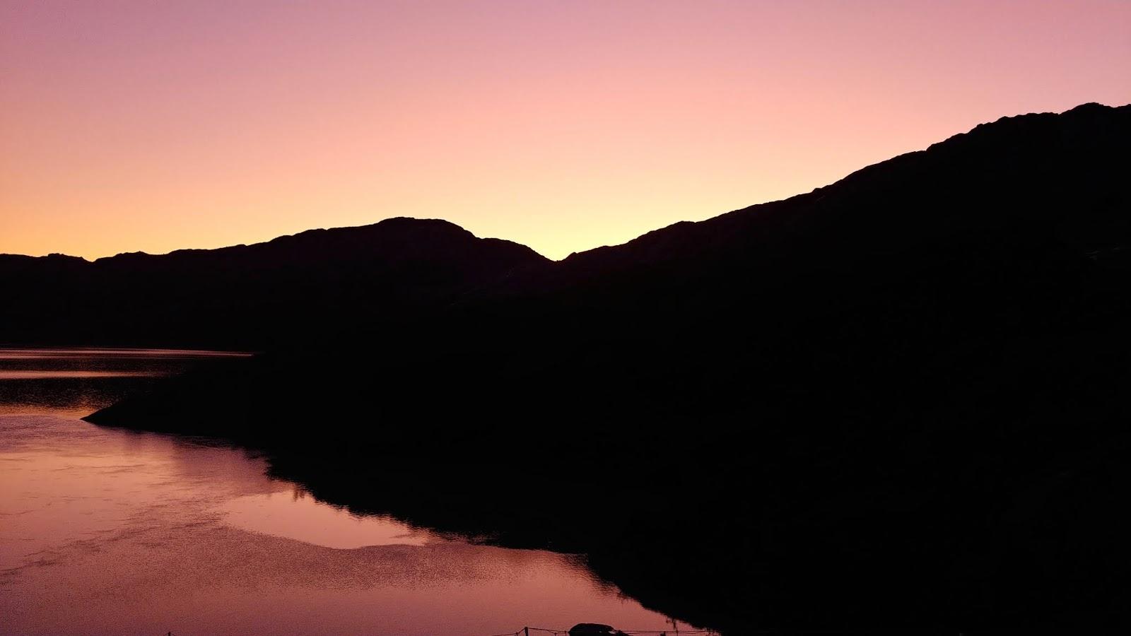 zachód słońca w parku narodowym folgefonna