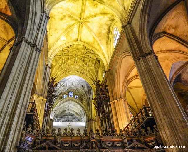 Interior da Catedral de La Giralda, Sevilha