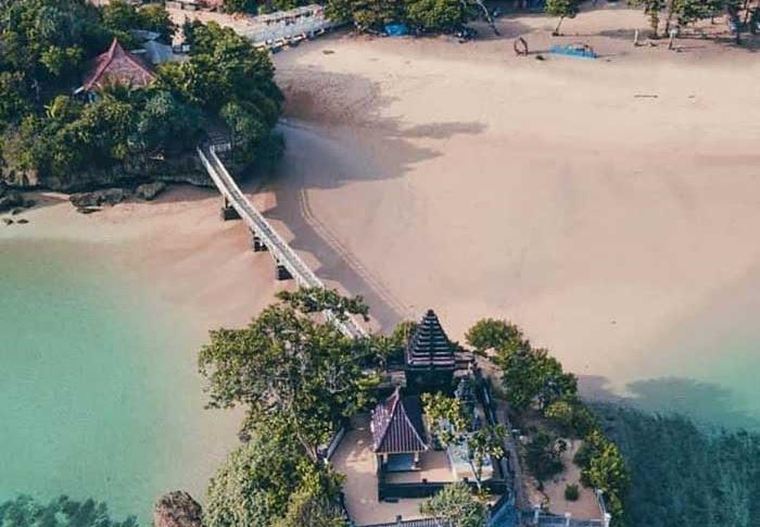 10 Pantai Terkenal di Malang Selatan dengan Fasilitas yang Lengkap