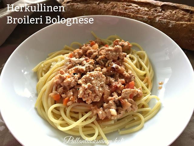 #broilerinjauhelihakastike #broilerinjauheliha #spagettikastike #spagetti #bolognese #spaghetti #chickensauce #food #arkiruoka