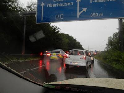 http://www.sueddeutsche.de/panorama/heftige-unwetter-das-war-schon-extrem-1.3996541