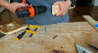 Perforando con broca del grosor del centro del tornillo