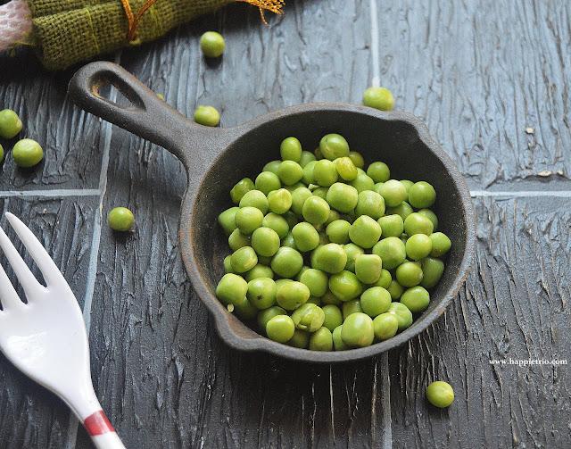 Chettinad Cauliflower Green Peas Roast Recipe   Cauliflower Patani Roast
