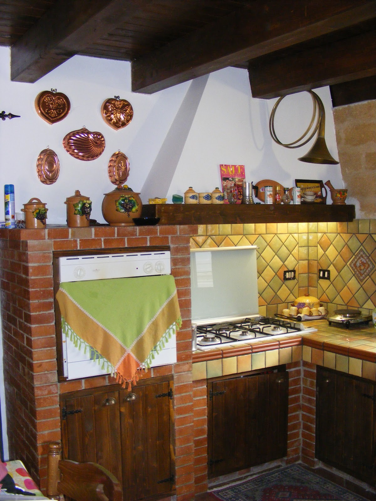 Pavimenti cortili  modelli di cucine in muratura
