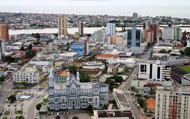 Centro de Itajaí, visto do Morro da Cruz