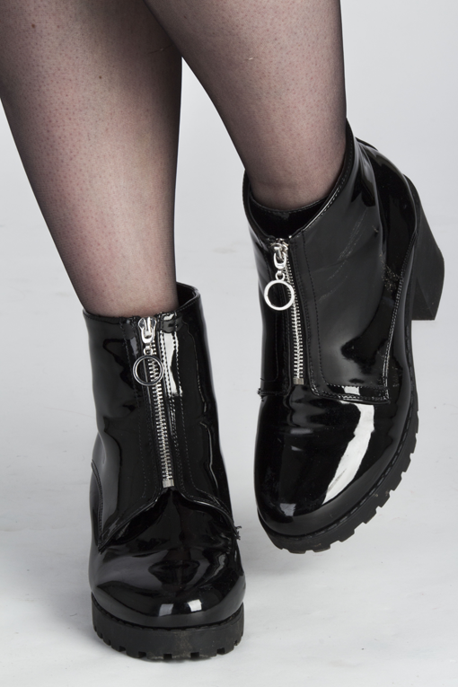 Fashion blogger patent boots